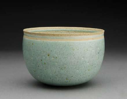 Ineke-van-Poppel ceramic bowl