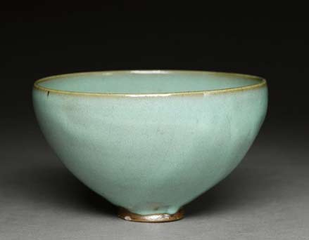 Junyao deep bowl with blue glaze, 12th century, Song Dynasty (AD 960 – 1279)