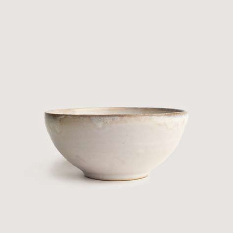 Romy-Northover-ceramics white bowl-Moon-Tide-photographs-by-FINRAZ