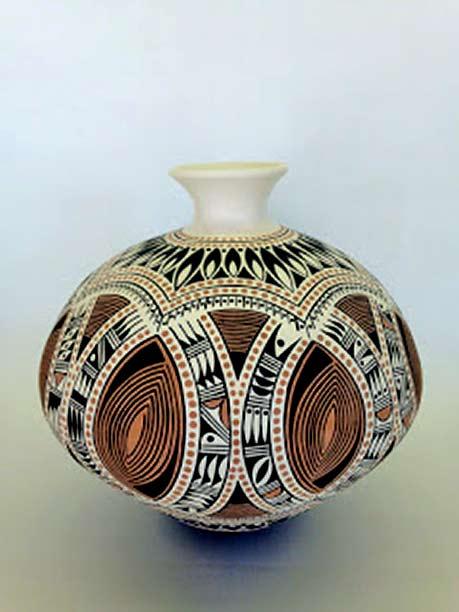 Rowan-Harrison--ceramic-pot