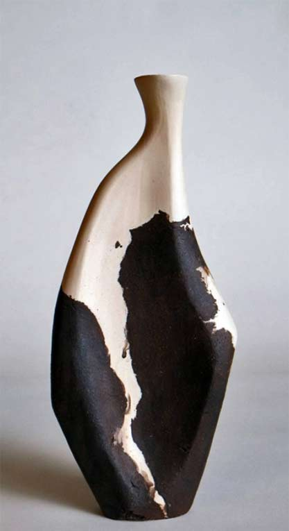 Saisho'---Mixed-Clay-Sculpture vessel-by-Beverly-Morrison