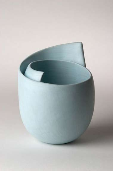 Tina-Vlassopulos-contemporary-ceramic vessel