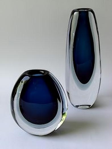Vicke-Lindstrand,-Somerso-matching vases - Kosta-,-Sweden