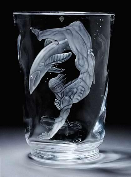 orrefors-vicke-lindstrand-peasrl diver engraved vase