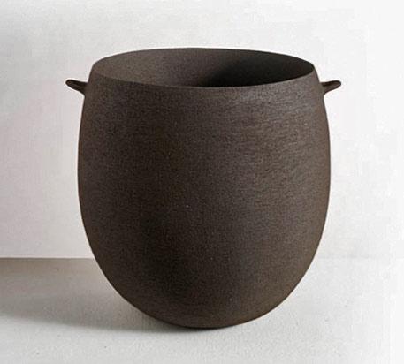 Virginie-Besengez ceramic vase