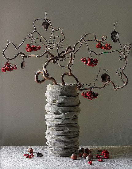 Corylus-avelana-contorta, the twisted hazelnut-ikebana