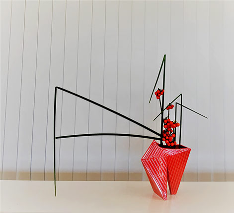 red vase Straight-Lines---2016-Pats-ikebana