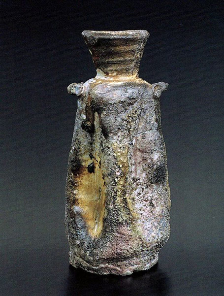 Wood fired Vase-by-Shiho-Kanzaki,-Japan