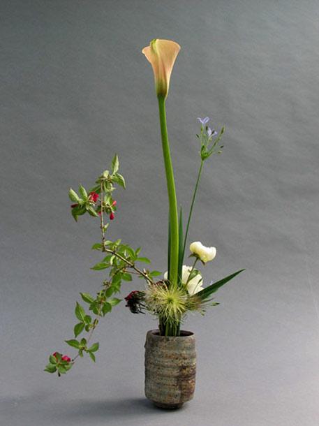 Ikebana-Hans-Riester,Berlin --ceramic pot byJochen Ruth