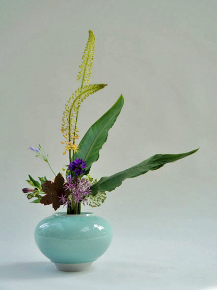 ikebana by Hans Riester, Berlin ceramic vessel by Jochen Ruth