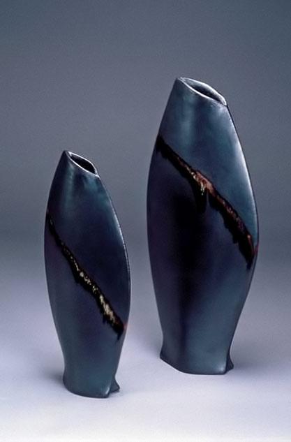 Mary-Kenny-black-vases