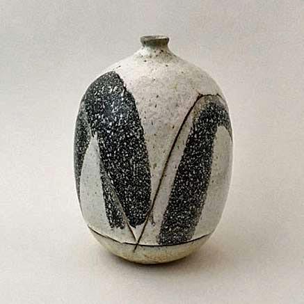 Matthew-Wade-ceramic-vessel