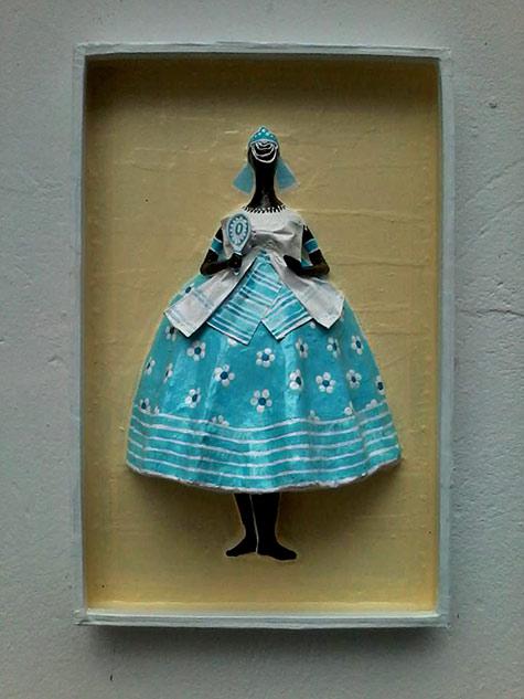 Papel pra toda Obra-female paper mache wall figure