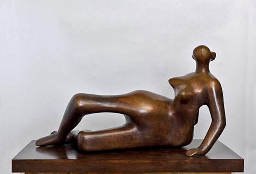 Reclining-figure-Henry-Moore nude female sculpture