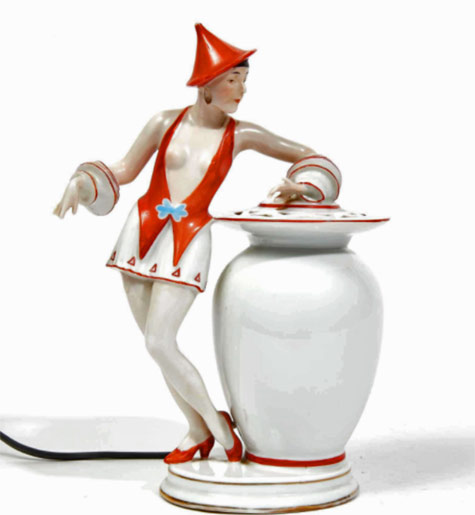 Aladdin.-Heubach.-Woman-with-amphora.-Circa-1925-1935.-Polychrome-porcelain-enameled-night-light-Camard-&-AssociésAuction-House-for-fine-art-and-antiques