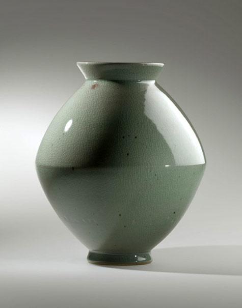 Young-Jae-Lee-celadon ceramic-jar