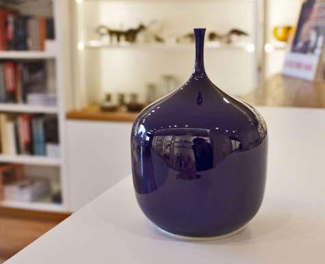 Sophie Cook squat purple vase
